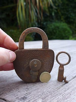 Antique  Padlock with one key working order beautiful padlock unique collector 6