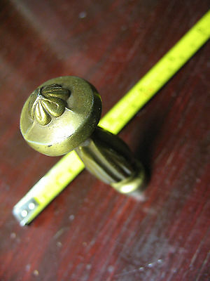 Victorian   3 & 1/4 ''    Finial  Screw  On  Mount  Vg 2