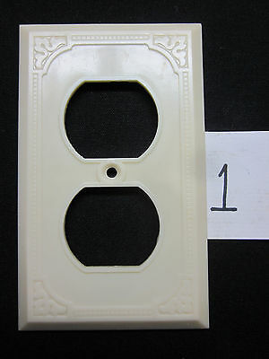 Vintage Art Deco Square Dots Thin Ribbed Lines Ivory Bakelite Outlet Plate Cover 2