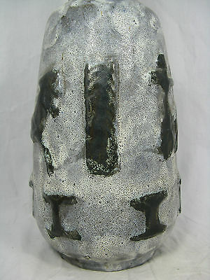 Well shaped / formschöne 60´s Walter Gerhards KG design pottery  Vase  203 / 40
