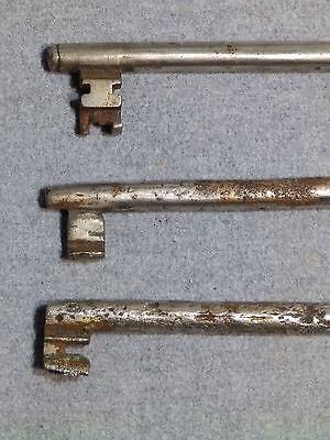 3 Antique Cast Iron Nickel Skeleton Jail House Door Gate Keys Key Vintage Old
