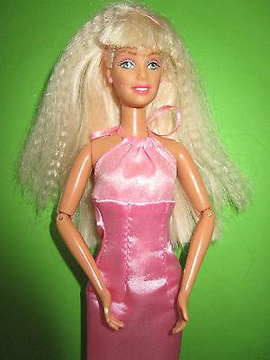 B493-Blonde Barbie Mattel 1998 Neckholder-Kleid Mit Label Bewegliche Ellenbogen 2