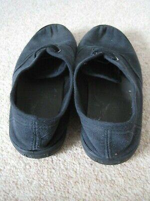 Black unisex Slazenger no lace plimsoles UK junior size 1 - good condition 3