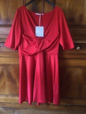 Rouge 46 Collection Taille Suisses 3 Étiquettes Robe Avec Neuf Eur wXxqt7nEC