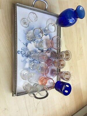 Altes Tablet mit 18 Gläsern (davon Ist 1 Glas Eigentlich Eine Vase) Ohne Tablett 8