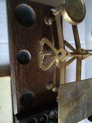 Alte Waage, mit zwei Gewichtboxen. Alt und sammelwert! Antiquität! 4