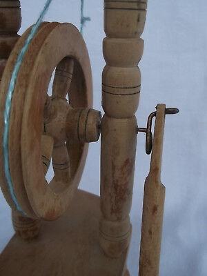 Altes Werkzeug Spinnrad 25,5 cm groß 5
