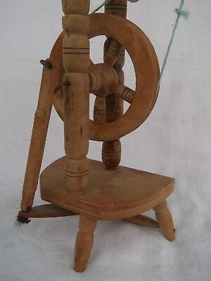 Altes Werkzeug Spinnrad 25,5 cm groß 4
