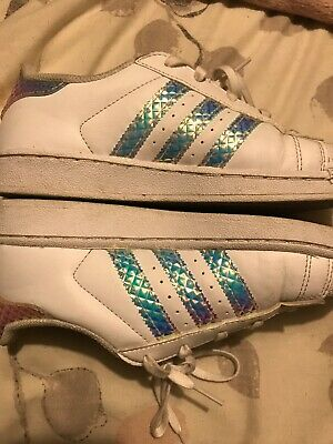 Kids adidas trainers Size 2.5 3