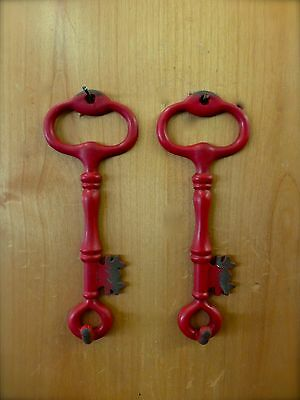 "2 RED ANTIQUE-STYLE METAL SKELETON KEY HOOKS 6.25"" primitive vintage wall decor 3"