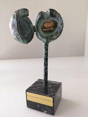 Escultura premio 1 Festival de Cine y TV de Santander en bronce por Jose Luis Fe 6