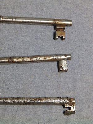 3 Antique Cast Iron Nickel Skeleton Jail House Door Gate Keys Key Vintage Old 6