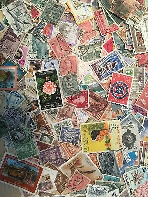 World Stamps. Off paper. 50g. FREE GIFT Approx 800 stamps, World and C/m. No GB 7