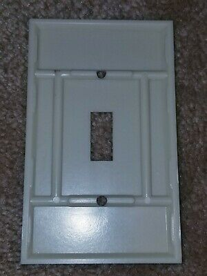 Vintage Early Mid Century UNILINE BAKELITE Single Toggle Wall Switch Plate 2