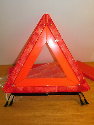 grand TRIANGLE de SECURITE SIGNALISATION panne ou ACCIDENT street safety EUROPE 2