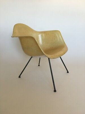 All original 1. Generation Zenith Eames Miller Rope Edge Fiberglass Lounge Chair 3