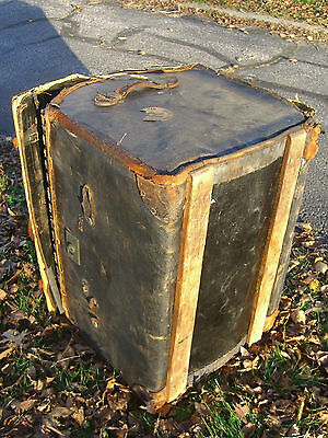Vintage Oil Cloth/Wicker English Steamer Trunk w/White Star/Cunard Stk c.1930 11