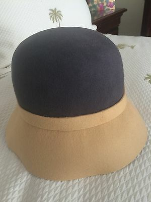 aa48e9c67 FURLA WOMEN VINTAGE Wool Cloche Bucket Hat 1920's flapper style Sz S Grey  Camel