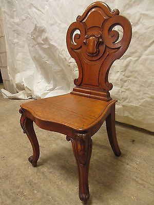 Quality pair of carved golden Oak hall chairs with pierced shaped back (ref 141) 6