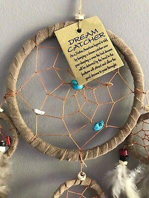 Capteur de rêve attrape rêve dreamcatcher marron clair en plumes cuir et pierres