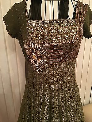 Ladies Beautiful Crystal Embroidered Green Indian Bollywood Dress Suit - Size 10 3
