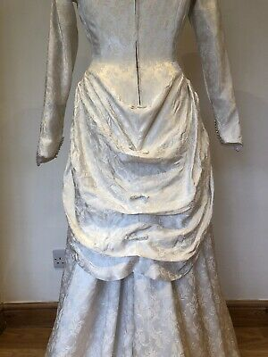 Pretty Vintage 1950s Bridal Wedding Dress with Bustle Off White Damask 8 10 4