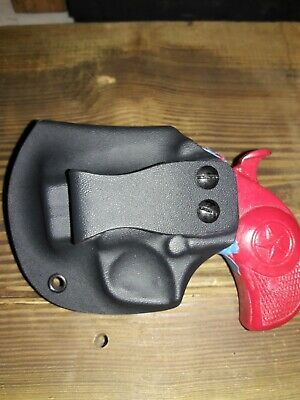 Bond Arms Texas Defender side holster With Plastic Thumb Break