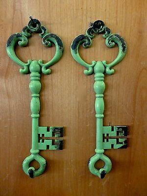 "2 GREEN ANTIQUE-STYLE METAL SKELETON KEY WALL HOOKS 7"" jewelry vintage shabby"