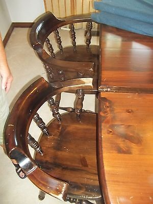 Ethan Allen banguet table, chairs, and lighted hutch - Dining room set