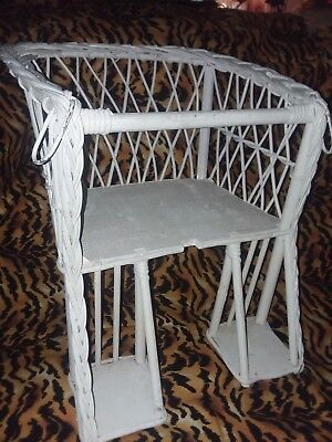 Vintage wicker child's chair / table seat 2