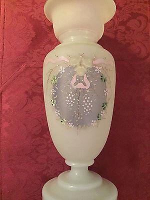 riesige antike Vase Opalglas  Emaillemalerei sehr schönes Teil 19.Jhd ca 33 cm 11