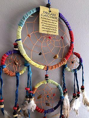 Capteur de rêves attrape rêve dreamcatcher multicolore en plumes cuir et pierres