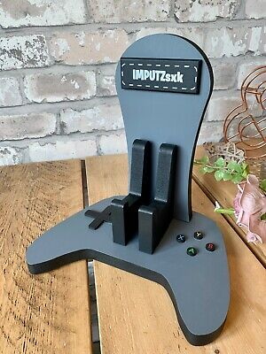 personalised wooden xbox controller and headset stand 7