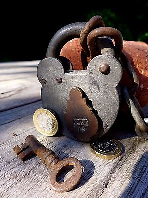 Antique Vintage Padlock with one key working 2WW 1941 hobby collector rare 25-05 2