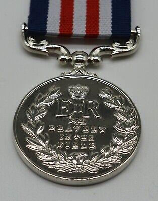 Silver Replica Elizabeth II Military Medal & Ribbon, Bravery in the Field ER-II 5