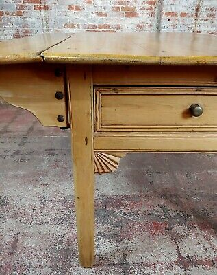 19th century French Farmhouse Pine Drop Leaf Dining Table 10