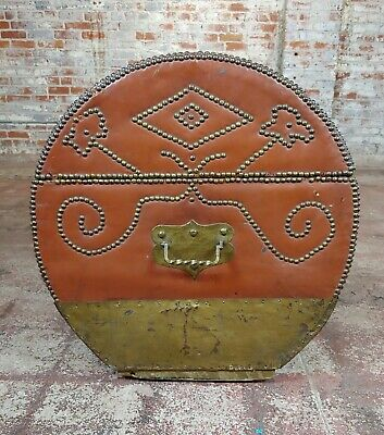 18th/19th century Leather & Brass Cylinder Trunk 8