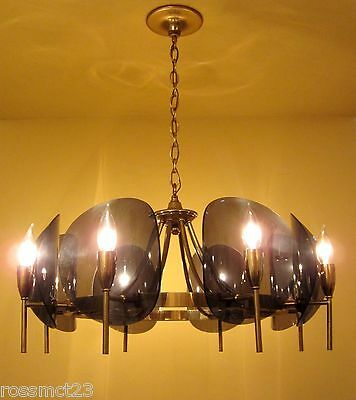 Vintage Lighting dramatic Mid Century chandelier 2
