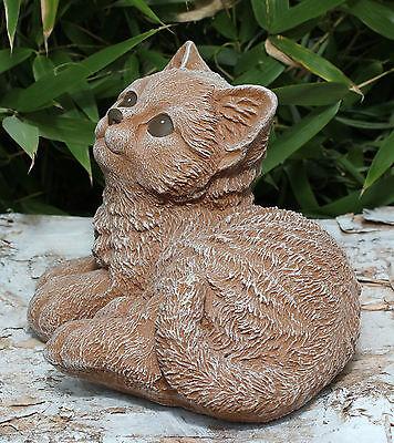 Steinfigur Katze sitzend Haus und Garten Terrakotta wetterfeste Deko-Figur f/ür Wohnung