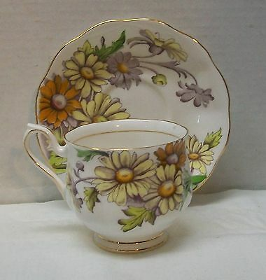Daisy Teacup and Saucer Royal Albert Bone China Set Flower of the Month Vintage 9