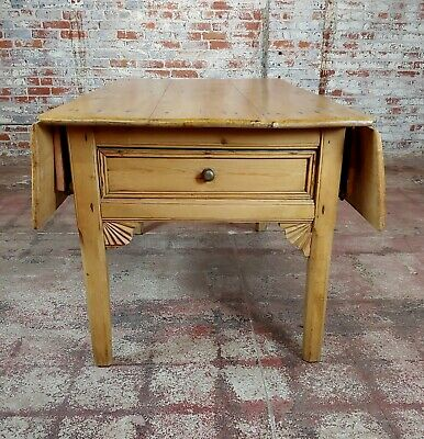 19th century French Farmhouse Pine Drop Leaf Dining Table 7