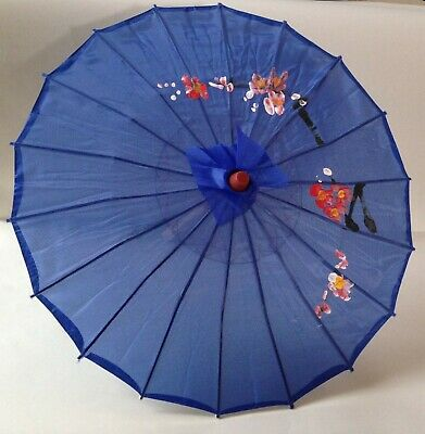 Traditional Chinese accessory set - blue parasol & fan and 2 concertina dragons 3