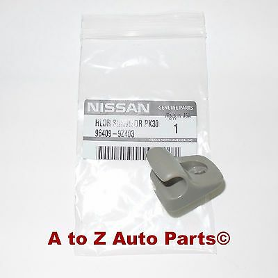 ... NEW 2001-2004 Nissan Frontier or Xterra Driver or Passenger SUN VISOR  CLIP 31f3c631799