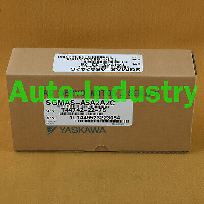 1PC Yaskawa Servo Motors SGMAS-A5A2A2C New Brand One year warranty SGMASA5A2A2C 4