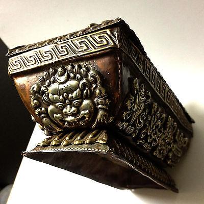 Antique Box Rare Tibetan Art Metal Geometric Pattern Figural Decorative Copper 3