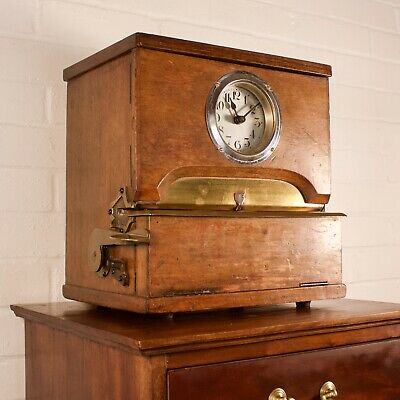 Vintage Oak Cased Industrial Mechanical Clocking-In Clock 2