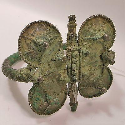 Saljuk Turkish or Middleeastern large silver bracelet 12th century 4