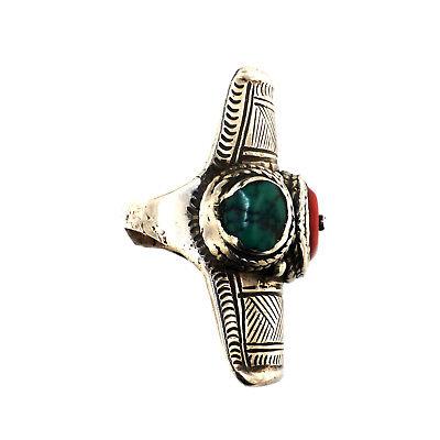 Antique Tibetan silver ring. (1330)