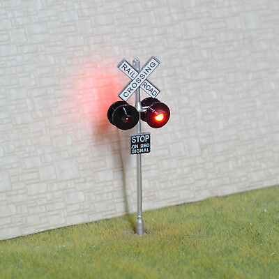 1 x OO / HO Scale railroad crossing signals LED made 4 target faces silver