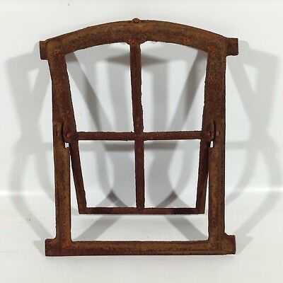 303A  Antikes Stallfenster Gusseisen Fenster Stall Gitter Garten Scheunenfenster